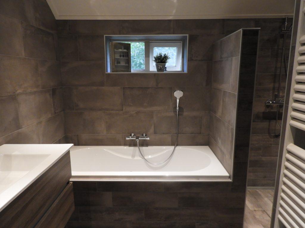 Taupe Kleurige Badkamer : Badkamer warten inspiratie janijko surhuisterveen
