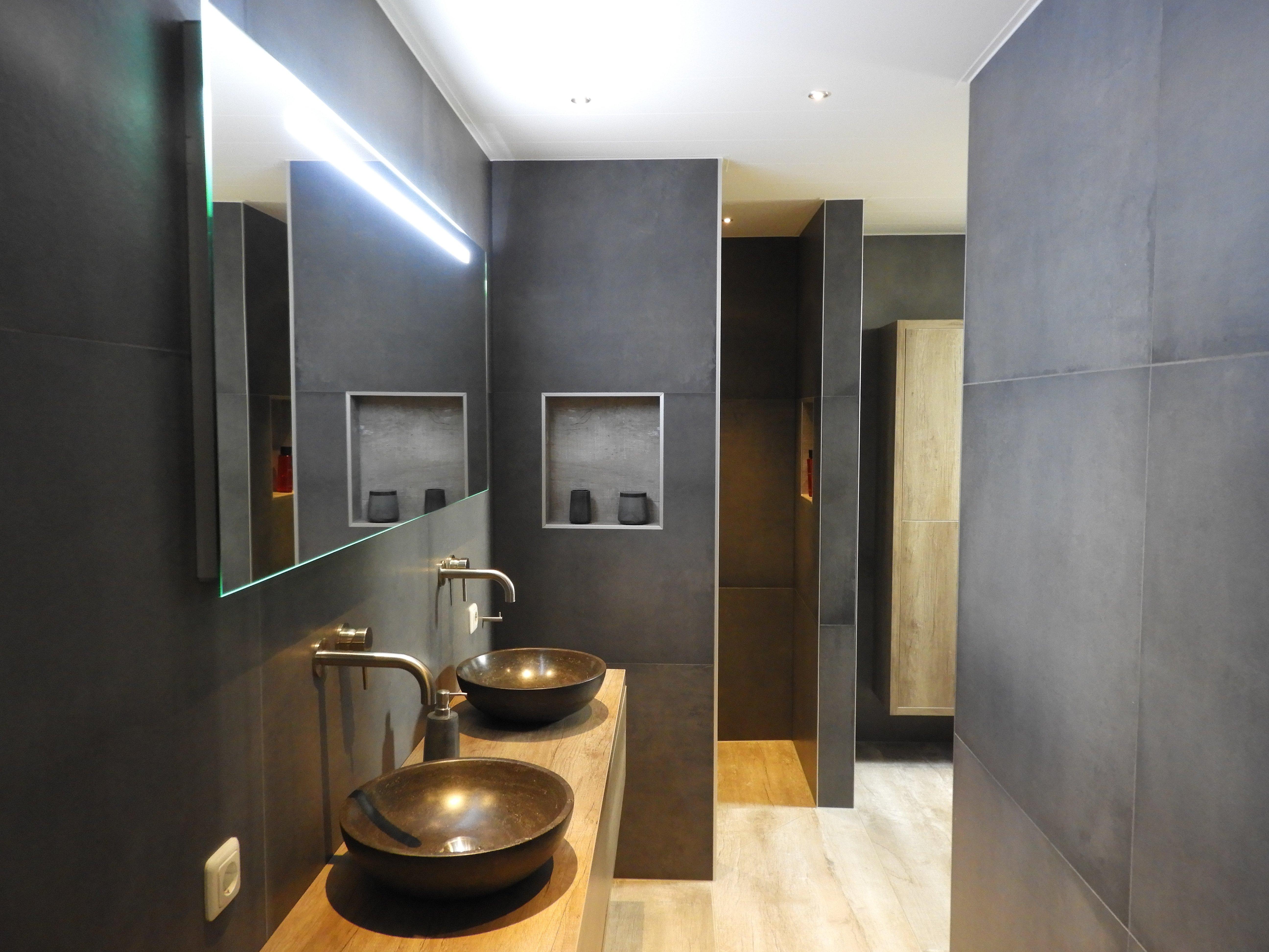Taupe Kleurige Badkamer : Badkamer holwerd inspiratie janijko surhuisterveen